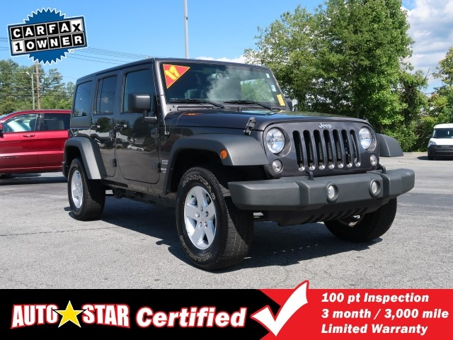 Pre-Owned 2017 JEEP WRANGLER UNLIMITED Unlimited Sport